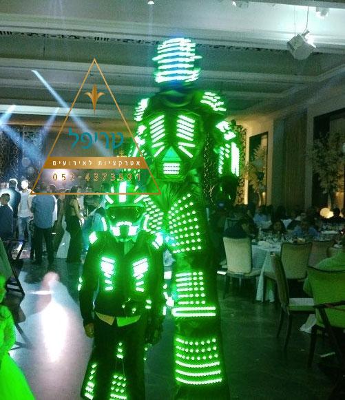 רובוט לד לבר מצווה , רובוט לייזר לבר מצווה , רובוט לאירועים , חבילת רובוטים לאירועים , חבילת רובוטים לבר מצווה , רובוט לייזר לבר מצווה