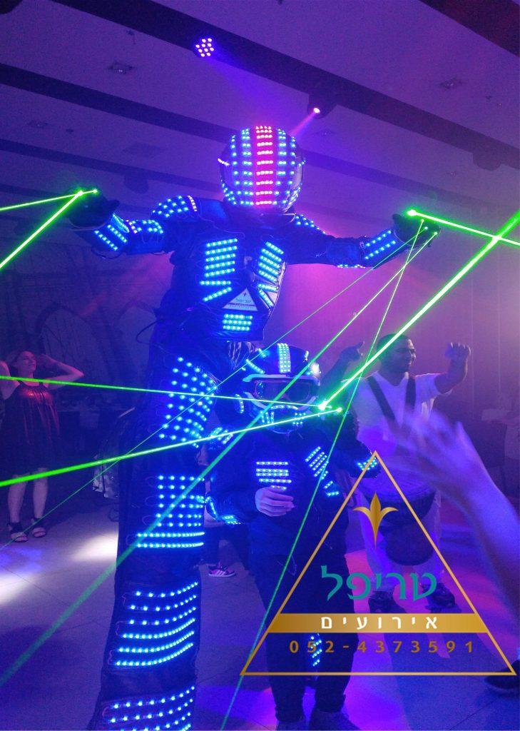 מסיבת רובוטים לאירועים , רובוט לבר מצווה , רובוט לייזר לאירוע , רובוט לדים לאירועים